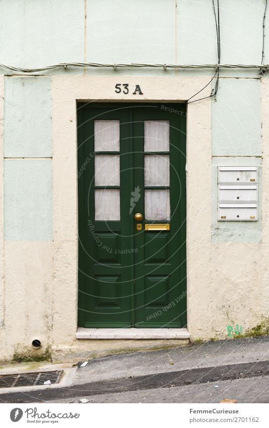 Door in Portugal Ferien & Urlaub & Reisen grün Haus Reisefotografie Fassade Häusliches Leben Tür Lissabon mint