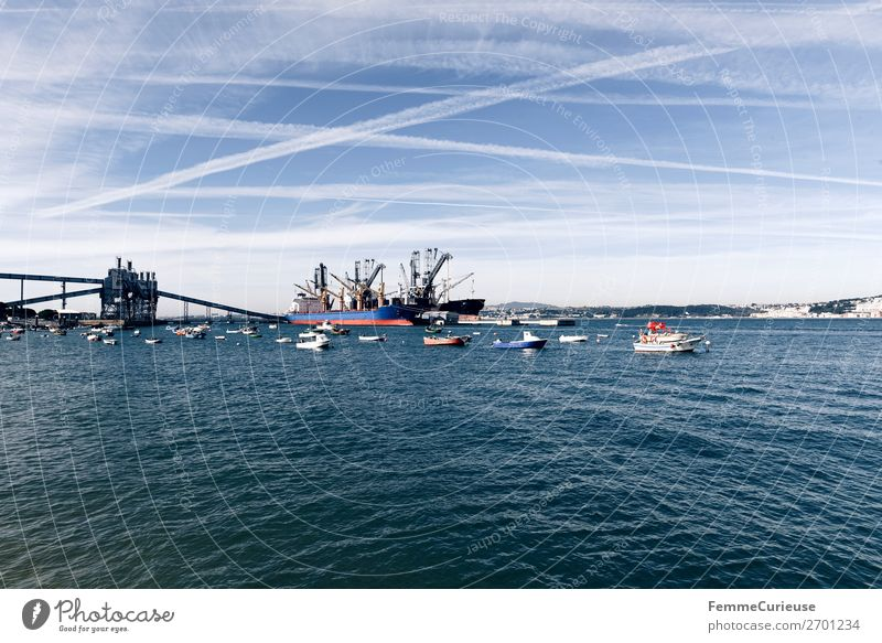 Small harbour with fishing boats in Portugal Natur Verkehr Verkehrsmittel Verkehrswege Schifffahrt Binnenschifffahrt Bootsfahrt Dampfschiff Containerschiff