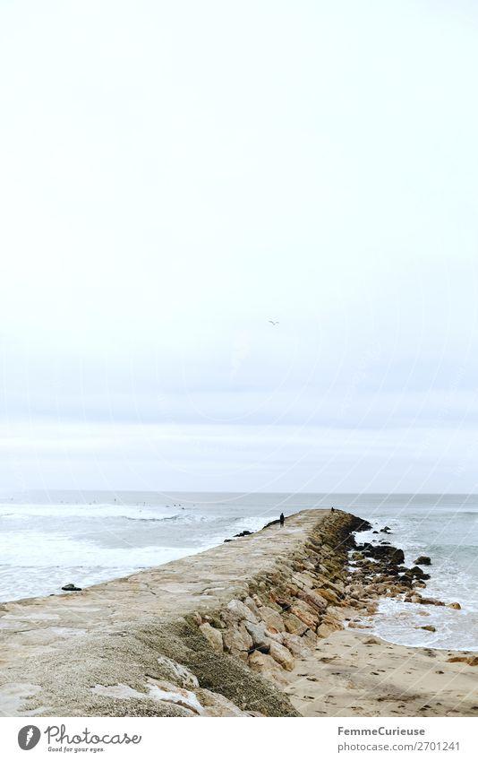 Coast on the Atlantic in Portugal Natur Ferien & Urlaub & Reisen Felsen Küste Atlantik Wellengang Reisefotografie Urlaubsfoto Farbfoto Außenaufnahme