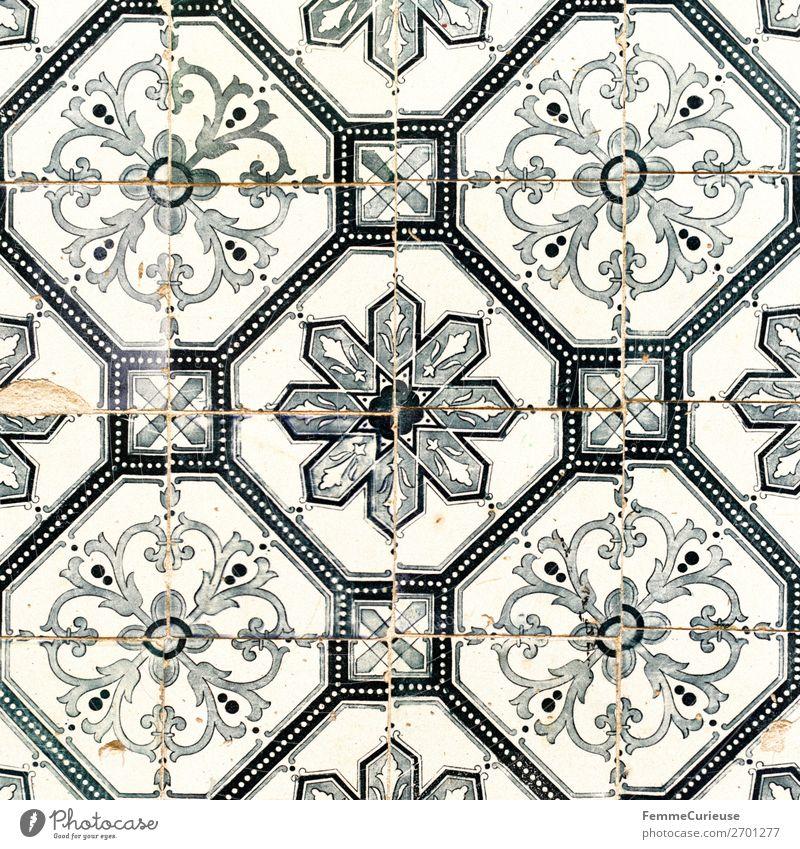 Tiles on house facade in Portugal Stadt Hauptstadt Tradition Fliesen u. Kacheln Muster Geometrie Quadrat Lissabon Reisefotografie Farbfoto Außenaufnahme Tag