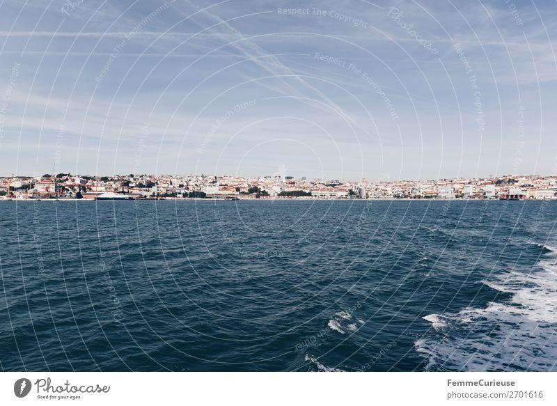 View of Lisbon from the Atlantic Ocean Ferien & Urlaub & Reisen Wasser Reisefotografie Tourismus Schönes Wetter Hafenstadt Portugal Atlantik Lissabon Wellengang