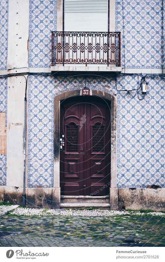 Door in Portugal Haus Ferien & Urlaub & Reisen Häusliches Leben Tür Fliesen u. Kacheln Fassade mehrfarbig Reisefotografie Farbfoto Außenaufnahme