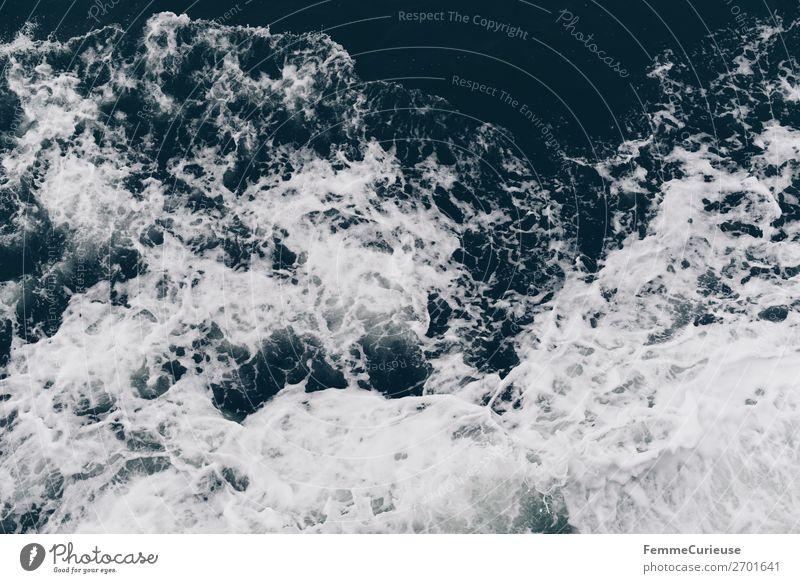 View to waves caused by ferry Natur blau Wasser weiß Meer Wellen Schaum Atlantik