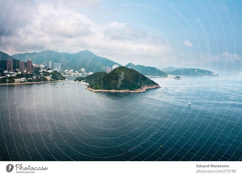 Die andere Seite Landschaft Wasser Himmel Wolken Schönes Wetter Küste Bucht Insel Stadt Hafenstadt Gebäude Freiheit Hongkong hongkong island Asien Meer blau