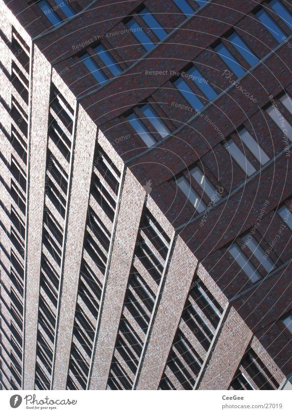 diagonal rot Fenster Wand Architektur Mauer Gebäude Glas Hochhaus verrückt Backstein Potsdamer Platz
