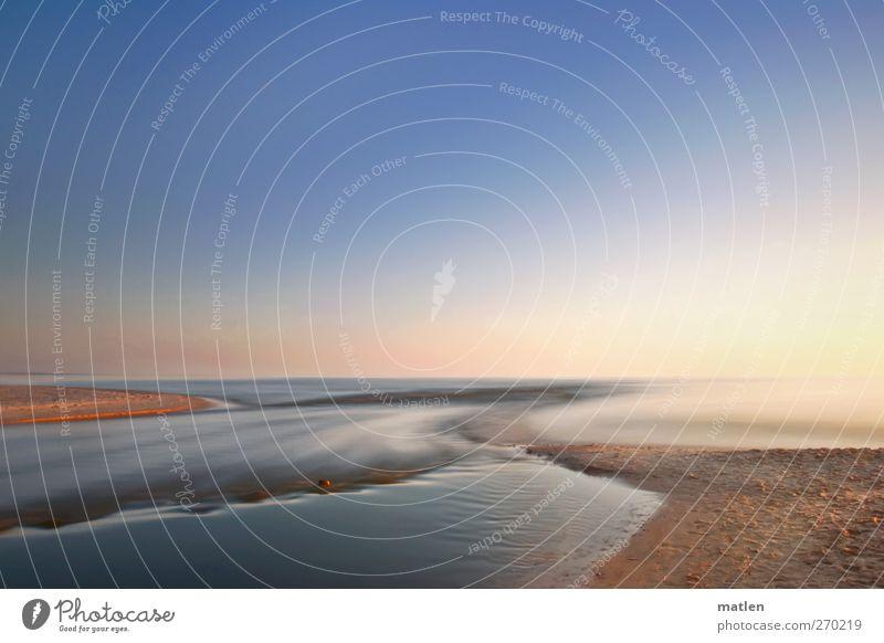 flow Landschaft Sand Wasser Himmel Wolkenloser Himmel Horizont Sonne Schönes Wetter Wellen Küste Flussufer Strand Meer Menschenleer blau braun fließen stein