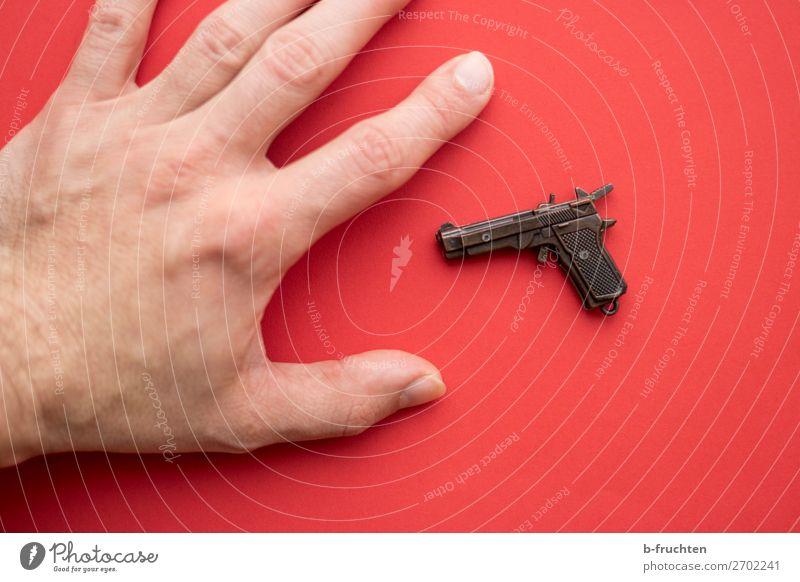 Hände weg!!! Mann rot Hand Erwachsene Angst liegen Finger bedrohlich berühren Sicherheit Macht wählen Spielzeug Gewalt Irritation Aggression