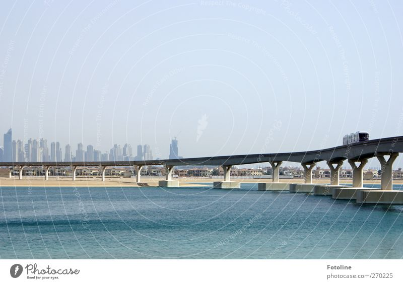 Dubai Stadt hell Verkehr Brücke Verkehrswege Personenverkehr Verkehrsmittel Dubai Bahnfahren Öffentlicher Personennahverkehr Schienenverkehr Schienenfahrzeug Schwebebahn Hochbahn Magnetschwebebahn