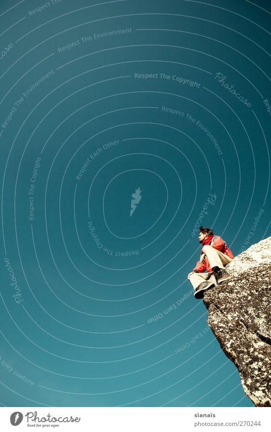 Rückblick Mensch Himmel Mann Natur Ferien & Urlaub & Reisen ruhig Erwachsene Umwelt Berge u. Gebirge Leben Luft Felsen sitzen maskulin wandern gefährlich