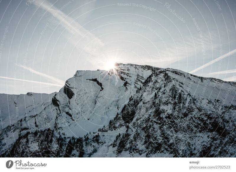 Klewenalp - Berg - Sonne - Gegenlicht Umwelt Natur Landschaft Himmel Winter Schnee Alpen Berge u. Gebirge Gipfel Schneebedeckte Gipfel natürlich blau Schweiz
