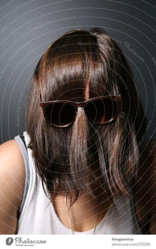 ar-arthur Mensch feminin Frau Erwachsene Kopf Bart 1 18-30 Jahre Jugendliche Punk Rockabilly Sonnenbrille Haare & Frisuren brünett kurzhaarig Pony Behaarung