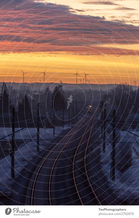 Dezember-Sonnenaufgang und Infrastruktur der Deutschen Bahn AG Ferien & Urlaub & Reisen Industrie Natur Landschaft Himmel Sonnenuntergang Baum Verkehr