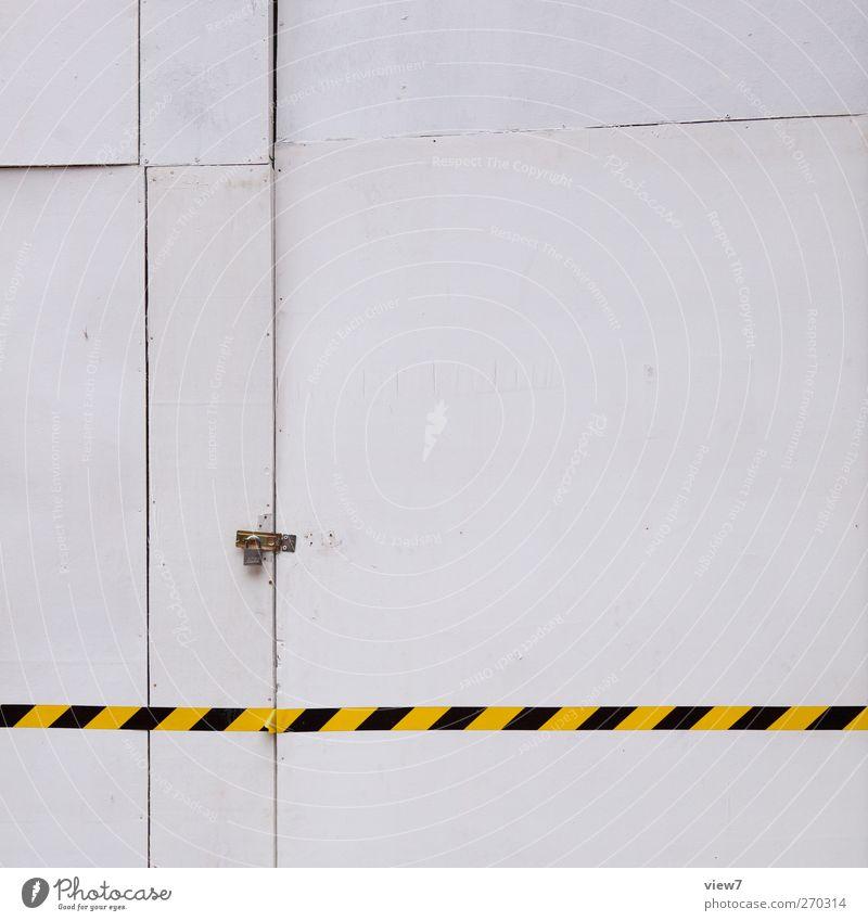 du kommst hier nicht rein alt weiß Haus Wand Holz Architektur Mauer Gebäude Innenarchitektur Linie Tür Wohnung Fassade Ordnung Schilder & Markierungen Beginn