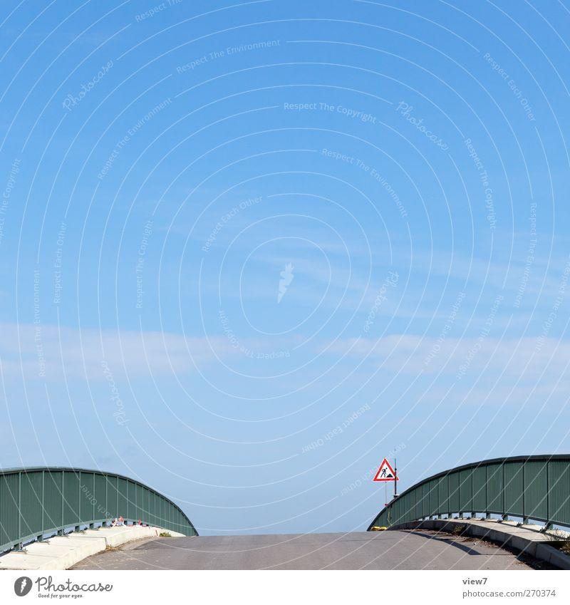 Männertag Sommer Landschaft Straße Wege & Pfade Stein Metall groß Schilder & Markierungen Beton Verkehr authentisch Brücke Hinweisschild Baustelle Schönes Wetter einfach