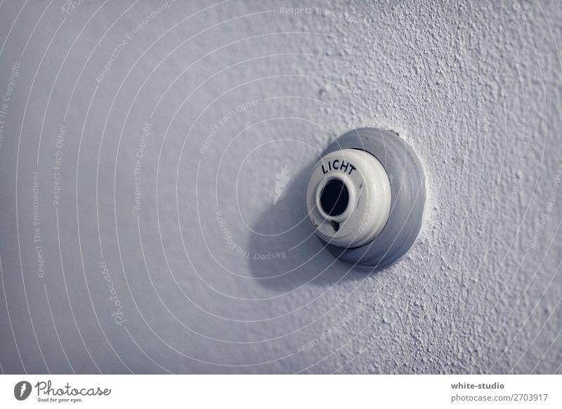 Es werde Licht Mauer Wand Denken Lichtschalter Idee aktivieren Schalter Energie Kabel ausschalten Farbfoto
