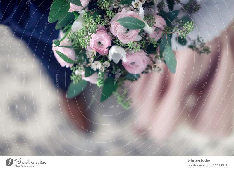 Zeit für Hochzeit Paar Partner Liebe Blumenstrauß Hochzeitspaar Hochzeitszeremonie Hochzeitstag (Jahrestag) Heiratsantrag Ehe Ehepaar Farbfoto