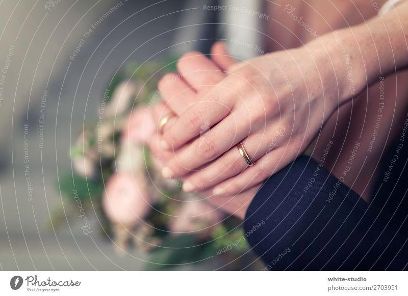 Hochzeitszeit Paar Partner Zusammensein Liebe Hochzeitspaar Braut Ehemann Bräutigam Eheversprechen Gelübde Ring Ehering Liebespaar Hand Handhaltung