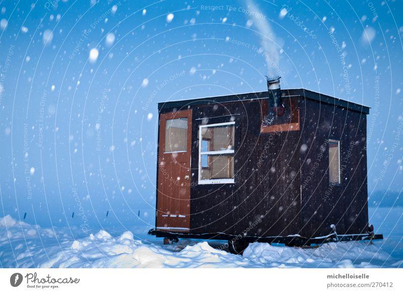 Himmel Natur blau weiß Winter Einsamkeit Landschaft kalt Schnee klein See Schneefall braun Eis Abenteuer Frost