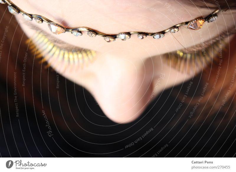 Queen of the Forgotten Fragments. elegant Haut Kosmetik feminin Junge Frau Jugendliche Erwachsene 18-30 Jahre Accessoire Schmuck Krone Metall schön einzigartig