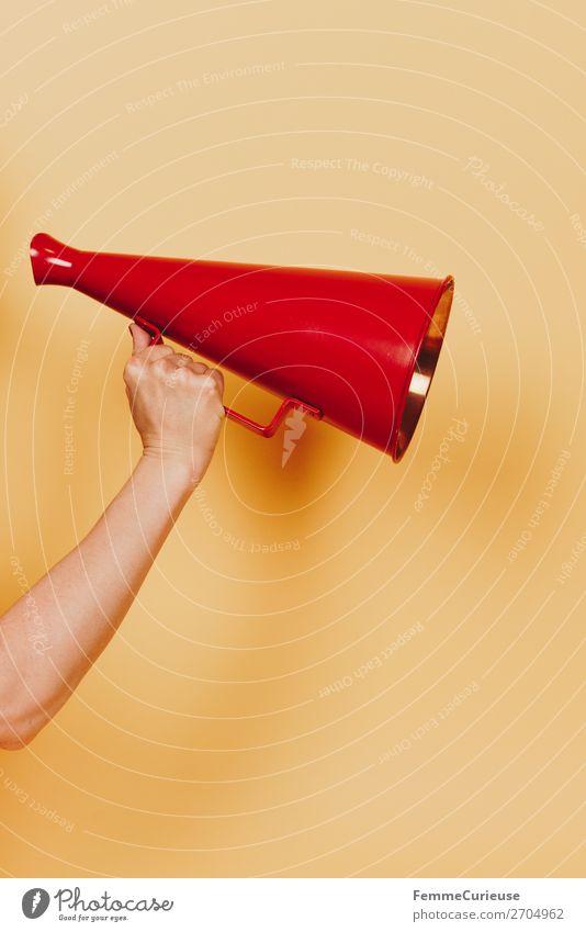 Female arm with megaphone in hand feminin Frau Erwachsene 1 Mensch 18-30 Jahre Jugendliche 30-45 Jahre Kommunizieren Unterarm Hand festhalten Megaphon Aussage
