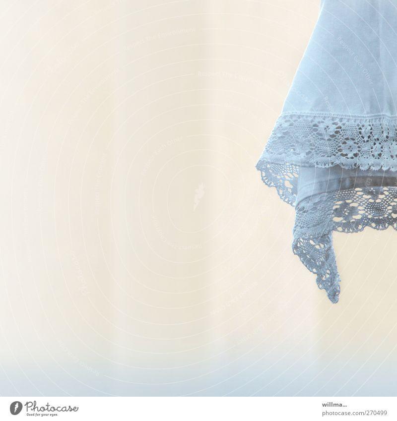 altar ruhig hell ästhetisch Tisch Spitze Nostalgie Tischwäsche Reinheit Handarbeit hell-blau Pastellton Menschenleer