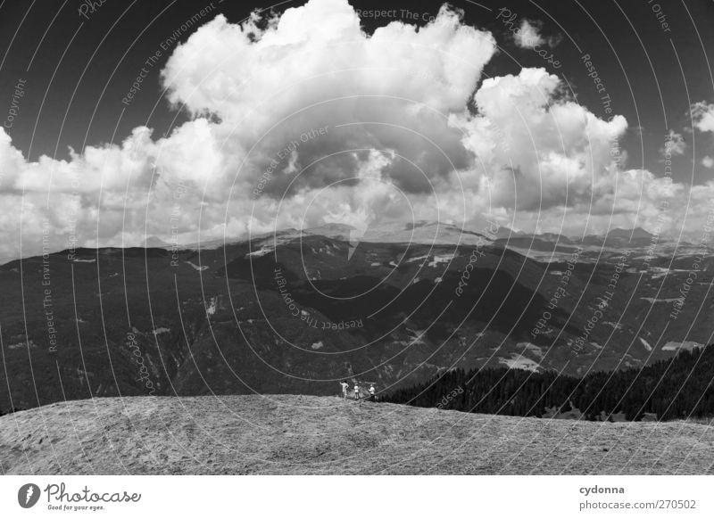 Weite Welt Mensch Himmel Natur Ferien & Urlaub & Reisen Sommer Wolken ruhig Erholung Ferne Umwelt Landschaft Wiese Berge u. Gebirge Leben Freiheit träumen