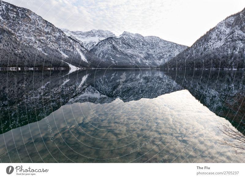 Ruhe Wohlgefühl Zufriedenheit Sinnesorgane Erholung ruhig Meditation Winter Schnee Winterurlaub Berge u. Gebirge wandern Landschaft Wasser Himmel Wolken