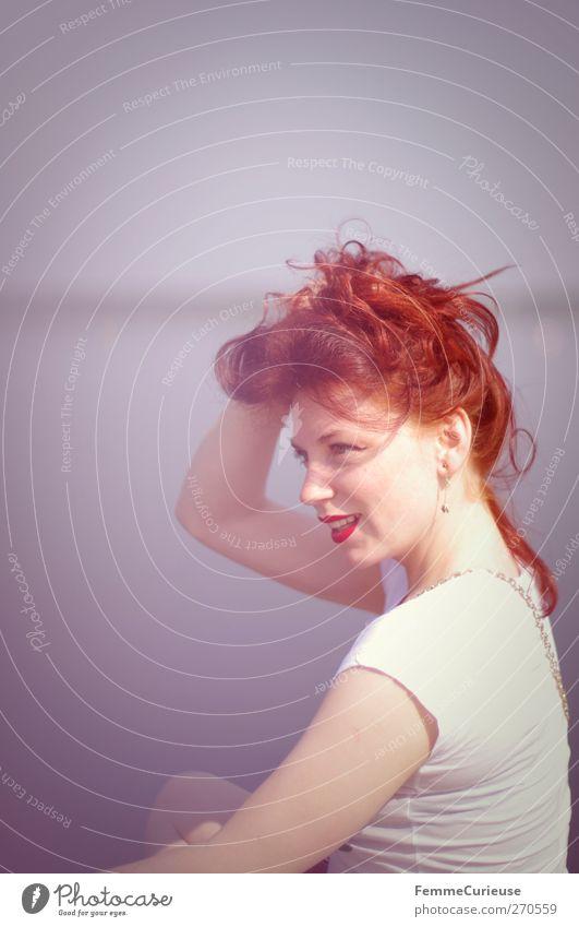 28°C im Schatten! Mensch Frau Natur Jugendliche Ferien & Urlaub & Reisen rot Sonne Sommer Meer Erwachsene Erholung feminin Freiheit Haare & Frisuren Stil See