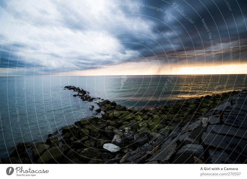Hiddensee l escapism Umwelt Natur Landschaft Urelemente Wasser Wolken Gewitterwolken Horizont Frühling Klima Klimawandel Wetter Schönes Wetter schlechtes Wetter