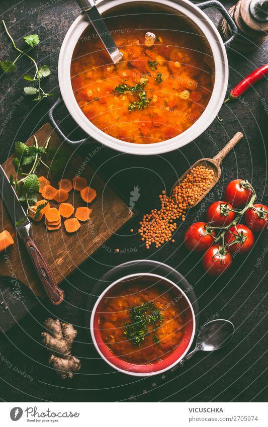 Rote Linsensuppe im Topf und in der Schüssel Lebensmittel Suppe Eintopf Ernährung Mittagessen Abendessen Bioprodukte Vegetarische Ernährung Diät Geschirr
