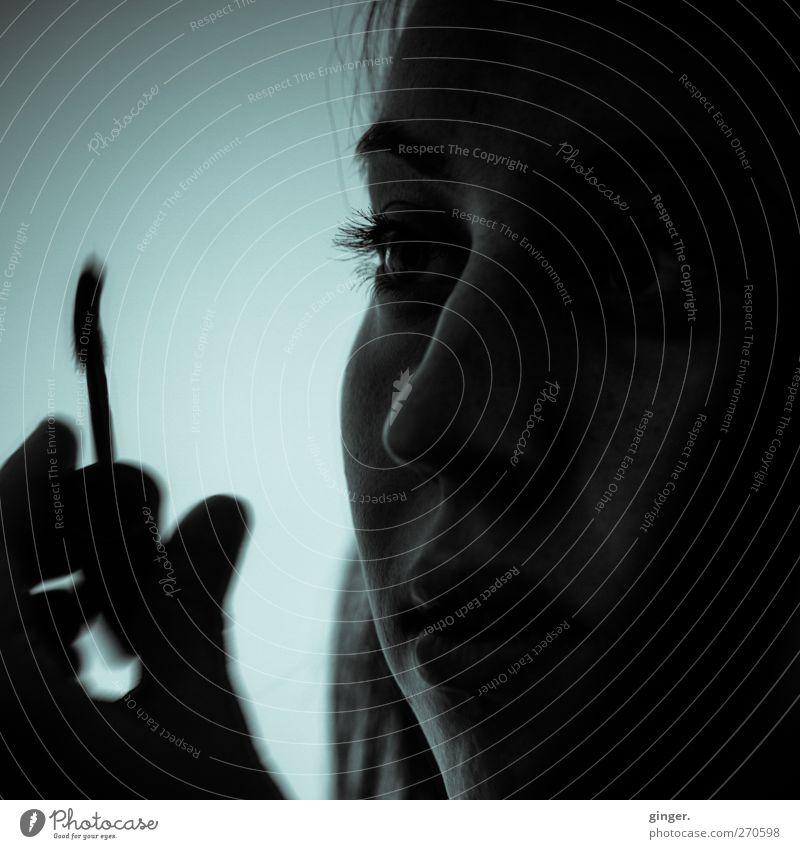 Hiddensee | Beauty in the Dark Mensch Jugendliche Hand schön schwarz Erwachsene Gesicht Auge dunkel feminin Leben Kopf Junge Frau außergewöhnlich 18-30 Jahre