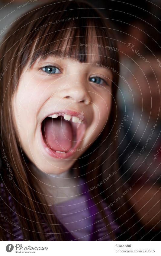 Ahhh! Mensch feminin Mädchen Kindheit Leben Kopf Haare & Frisuren Gesicht Auge Ohr Nase Mund Lippen Zähne 1 3-8 Jahre Pullover brünett langhaarig Pony alt