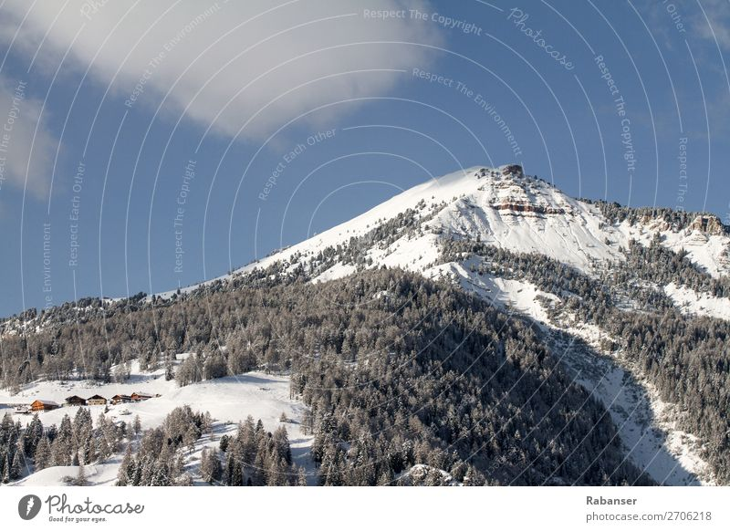 Pic in Gröden, Südtirol Himmel Natur Landschaft Baum Wolken Wald Winter Berge u. Gebirge Umwelt Felsen Wetter Abenteuer Klima Gipfel Alpen Schneebedeckte Gipfel
