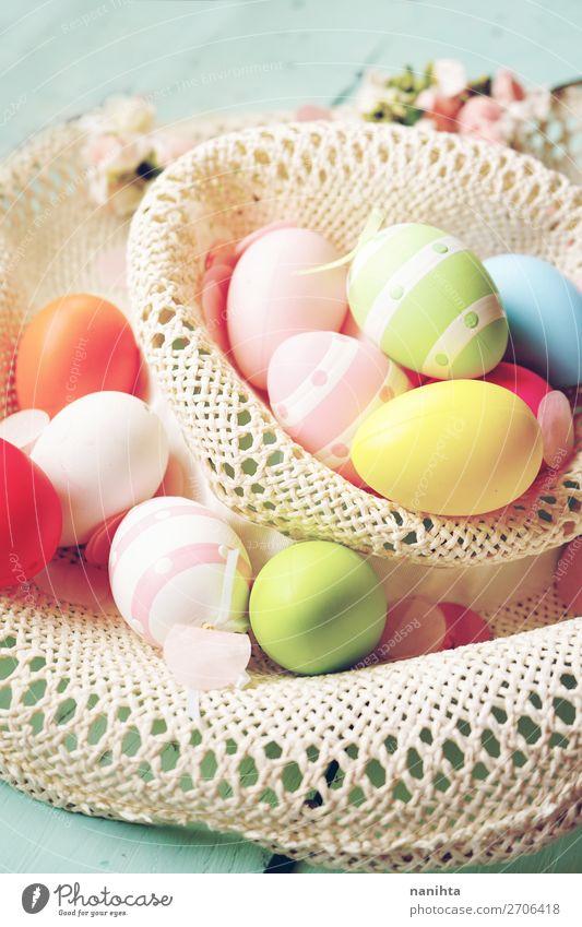 Eine schöne und farbenfrohe Nahaufnahme von Ostereiern. Freude Glück Party Veranstaltung Feste & Feiern Ostern Frühling Blume lustig niedlich Farbe Kreativität