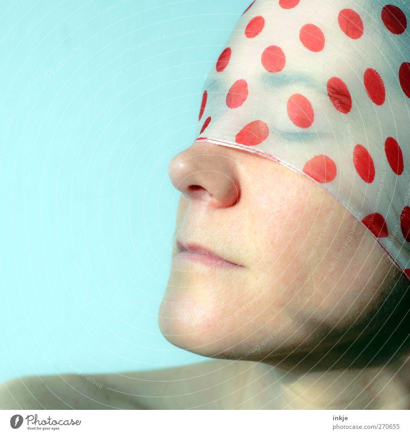 sunny Mensch Frau schön rot Sommer ruhig Erwachsene Gesicht Erholung Gefühle Stimmung Freizeit & Hobby Stoff Wellness Punkt genießen