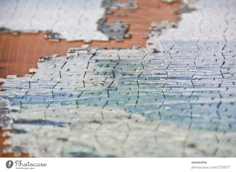 Stück für Stück Freizeit & Hobby Spielen Spielzeug Denken machen lernen blau braun Inspiration Kontakt Netzwerk Ordnung Rätsel Puzzle zusammensetzen puzzeln
