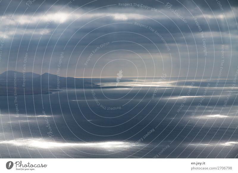 Lichtblicke Himmel Ferien & Urlaub & Reisen Natur blau Landschaft Meer Wolken Ferne Religion & Glaube Traurigkeit Küste Freiheit Horizont Wetter Energie Klima