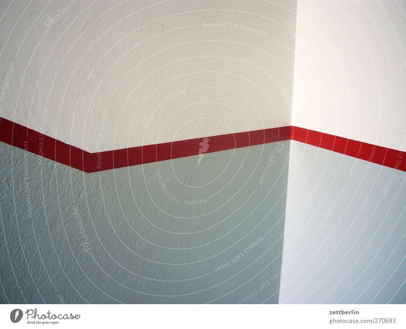 Rote Linie Haus Wand Architektur Mauer Gebäude Schilder & Markierungen gut Ecke Bauwerk Treppenhaus Wachsamkeit Orientierung Verantwortung achtsam