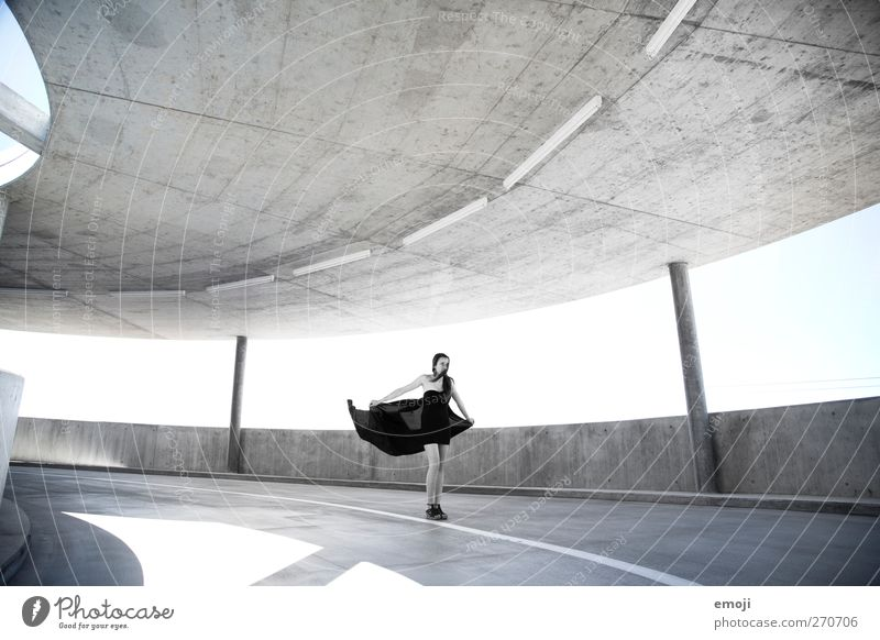 Tanz Mensch Jugendliche schön Erwachsene feminin Mode Kunst Junge Frau 18-30 Jahre ästhetisch Kleid trendy Leichtigkeit