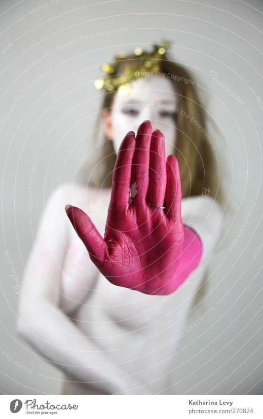 Distanz Mensch Frau Jugendliche Hand weiß Erwachsene feminin Körper Kraft blond gold rosa außergewöhnlich Haut 18-30 Jahre Finger