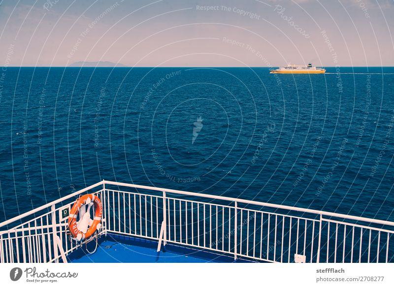 Die große Überfahrt Himmel Ferien & Urlaub & Reisen Sommer blau Wasser Sonne Meer Erholung ruhig Ferne Küste Tourismus Wasserfahrzeug Wellen ästhetisch Insel