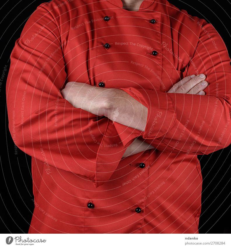 Koch in roter Uniform kreuzte die Arme über der Brust. elegant Stil Küche Restaurant Beruf Mann Erwachsene Hand 30-45 Jahre Bekleidung Jacke stehen schwarz