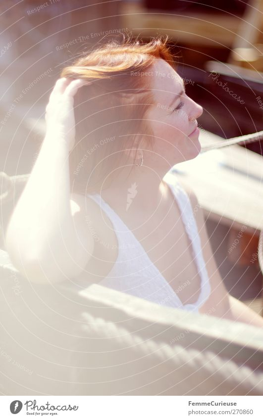 Bacardi feeling... Mensch Frau Jugendliche Ferien & Urlaub & Reisen schön Meer Erwachsene Erholung Ferne feminin Junge Frau Wasserfahrzeug sitzen elegant Insel