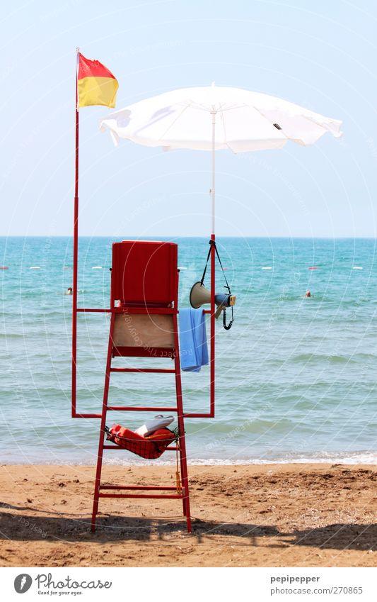 baywatch Wasser Ferien & Urlaub & Reisen Sommer Meer Strand Küste Sand Horizont Schwimmen & Baden Wellen Tourismus Fahne Sommerurlaub Sonnenbad Sonnenschirm Wolkenloser Himmel