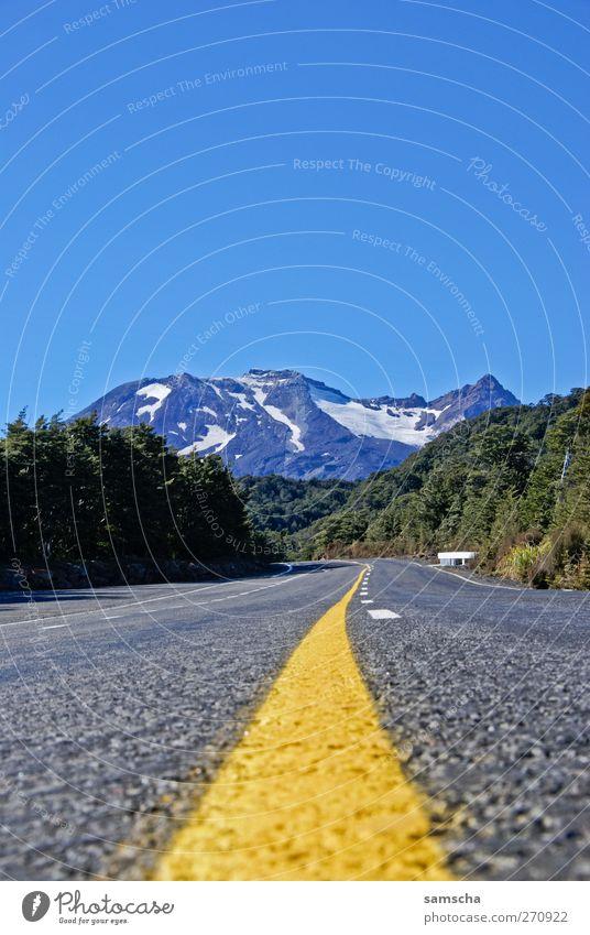 Bergwetter Natur blau Ferien & Urlaub & Reisen grün Umwelt Landschaft gelb Straße Berge u. Gebirge Freiheit wandern Tourismus Alpen fahren Schönes Wetter Gipfel
