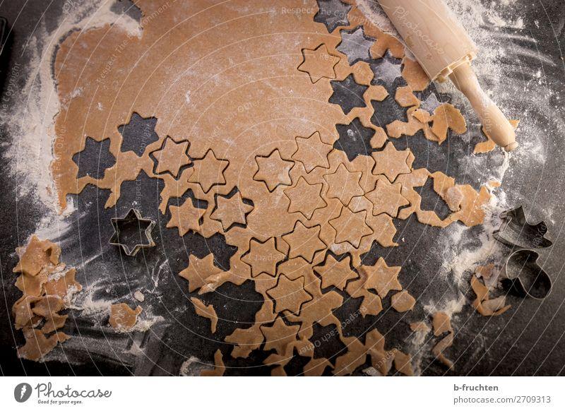 ein Teig voller Sterne Lebensmittel Teigwaren Backwaren Süßwaren Ernährung Feste & Feiern Weihnachten & Advent Koch Küche Arbeit & Erwerbstätigkeit gebrauchen