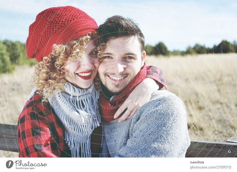 Romantisches junges Liebespaar Lifestyle Glück schön Leben Sonnenbad Valentinstag Mensch maskulin feminin Frau Erwachsene Mann Familie & Verwandtschaft Paar