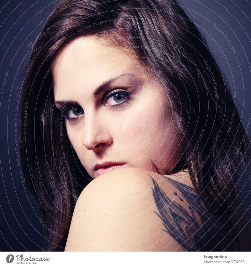 wondereye schön Haut feminin Junge Frau Jugendliche Auge Rücken 1 Mensch 18-30 Jahre Erwachsene Mode brünett langhaarig Erotik wild Coolness Tattoo