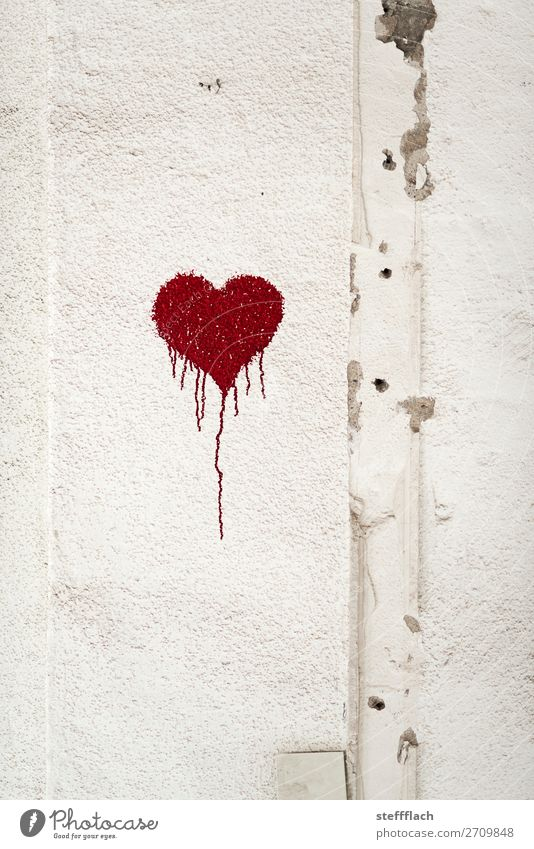 Valentinstag Vandalismus Stadt weiß rot Graffiti Wand Liebe Glück Stil Kunst Mauer Stein Freundschaft Geburtstag ästhetisch Schilder & Markierungen Herz