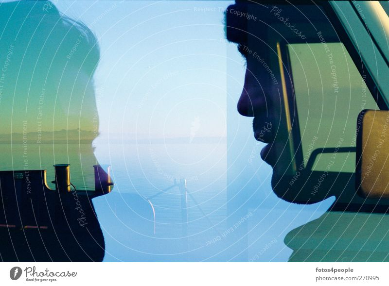 Come together Mensch Jugendliche Wasser ruhig Erwachsene kalt feminin Kopf Luft träumen Zusammensein maskulin 18-30 Jahre einzigartig geheimnisvoll Gelassenheit